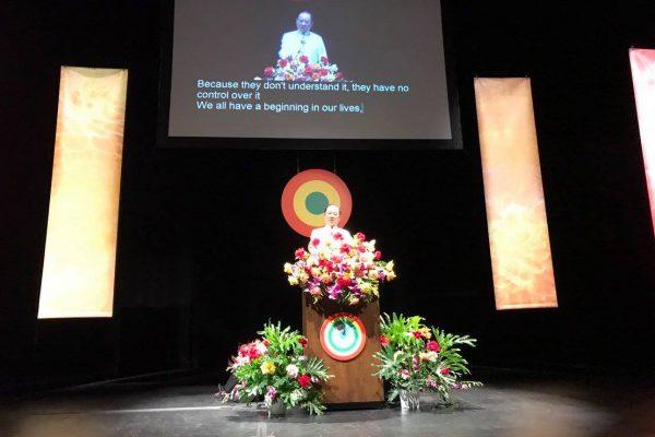 悟覺妙天禪師在美國加州爾灣Barclay-Theatre演講生命的秘密