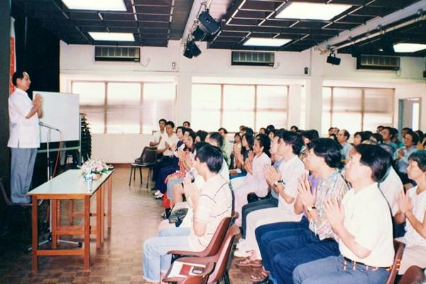 悟覺妙天禪師前往新加坡演說印心禪法
